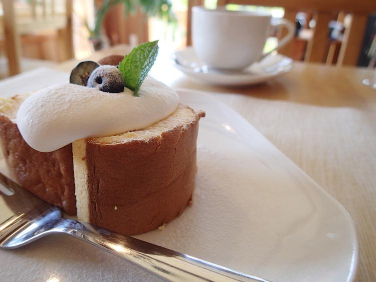 石垣島の琉球スイーツ庵のロールケーキ