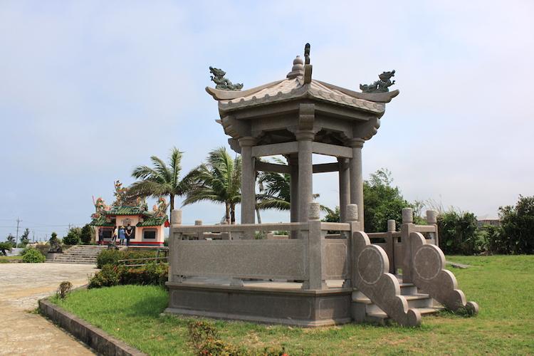 石垣島「唐人墓」の墓所内