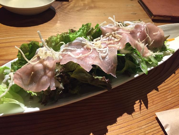 石垣島のぎょうざ家心心のサラダ