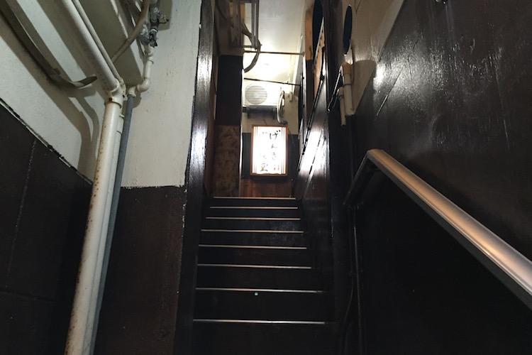 石垣島のげんきラーメン階段