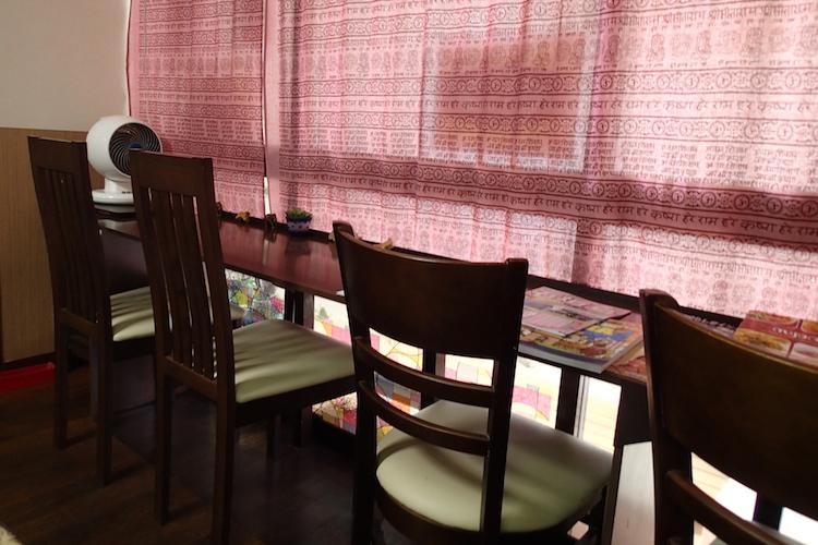 石垣島のカレー屋インダスの1人席