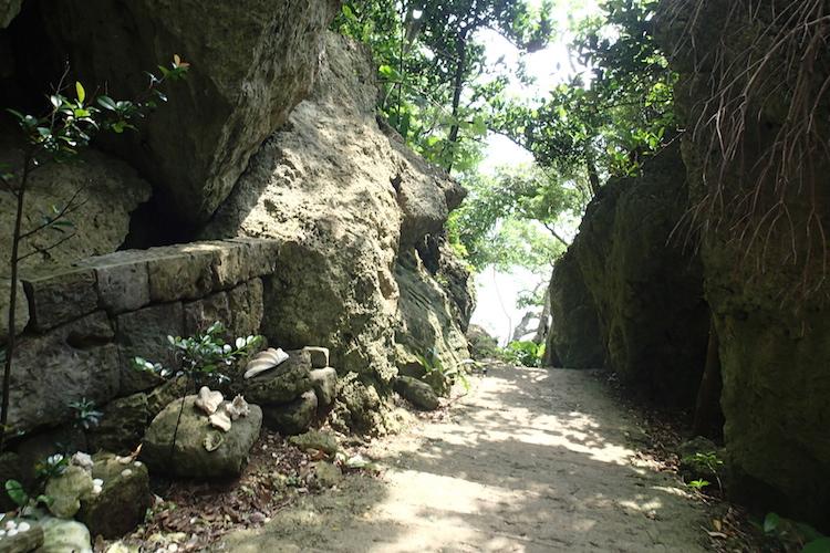 石垣島の伊原間サビチ洞の道
