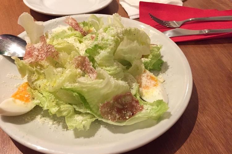 石垣島のピッツェリア イル トレコルデのサラダ