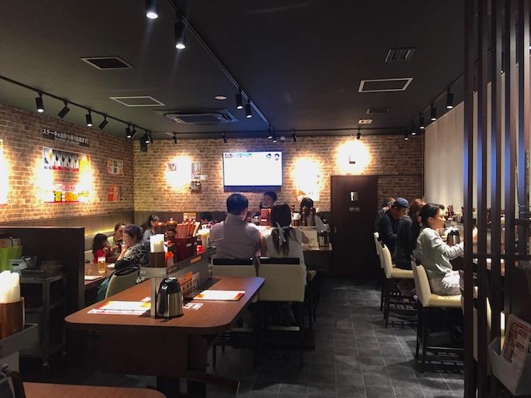 いきなりステーキ石垣島の店内