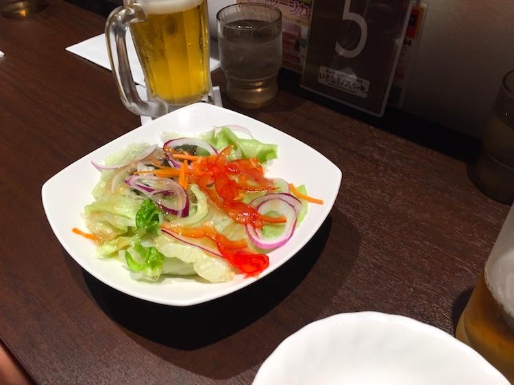 いきなりステーキ石垣島のサラダ