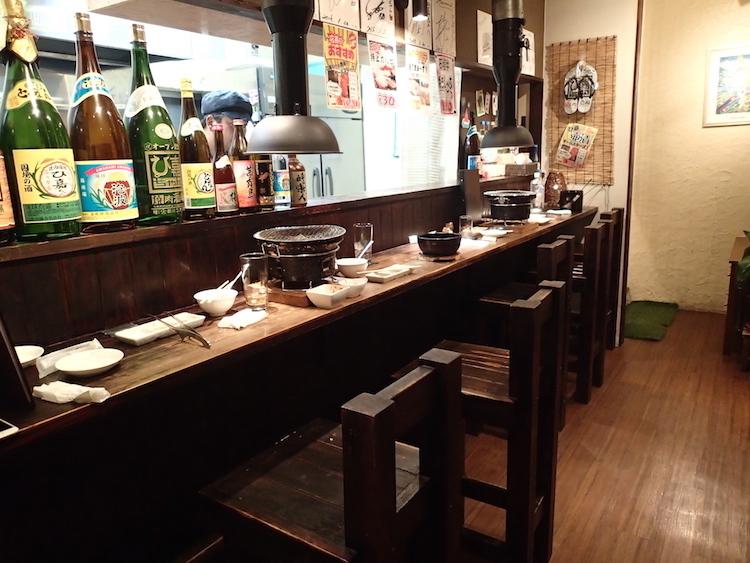 石垣島の焼肉屋「ひ嘉ちゃん」カウンター