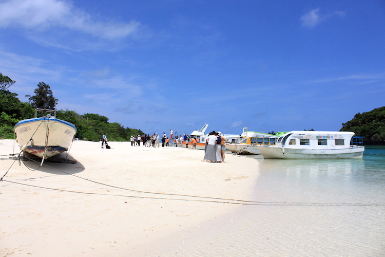 【石垣島の観光】川平湾のグラスボート