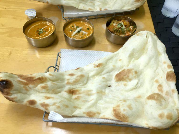 本格インド料理カマルのナン