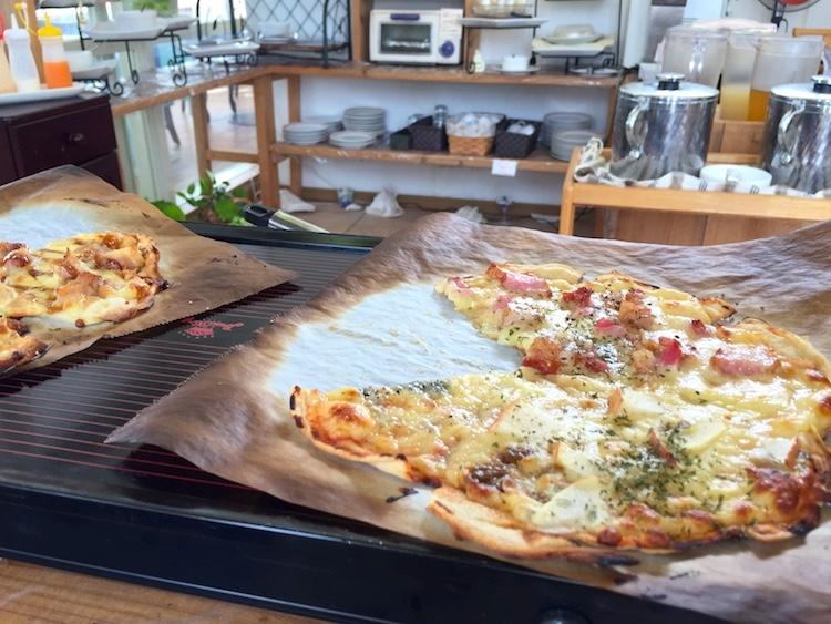 石垣島のイタリアンビュッフェ「パームズ」ピザ