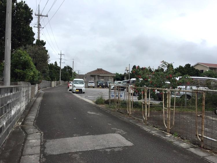 安全運転学校八重山分校の駐車場への道