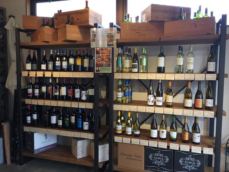 ワイン専門店るすたの棚