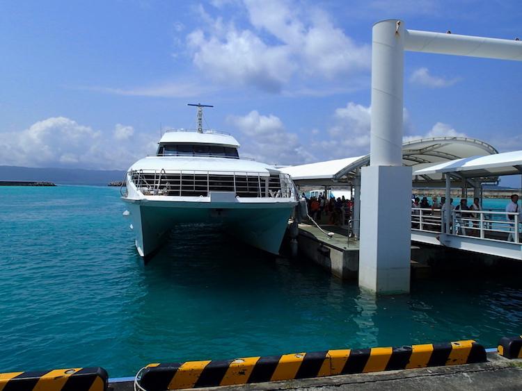 鳩間島の港