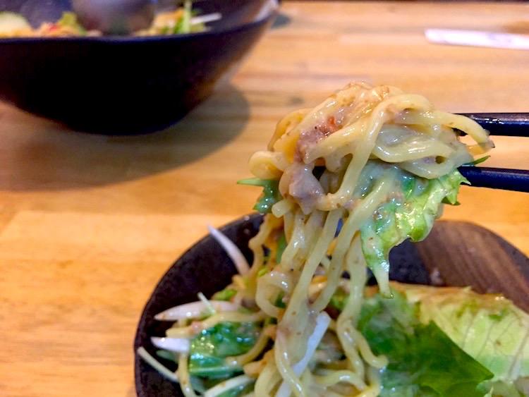 和ごころのラーメンサラダの麺