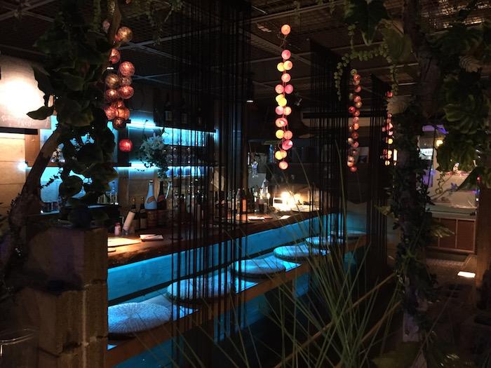 石垣島ダイニングシーサーのカウンター