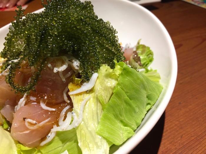 石垣島ダイニングシーサーのサラダ