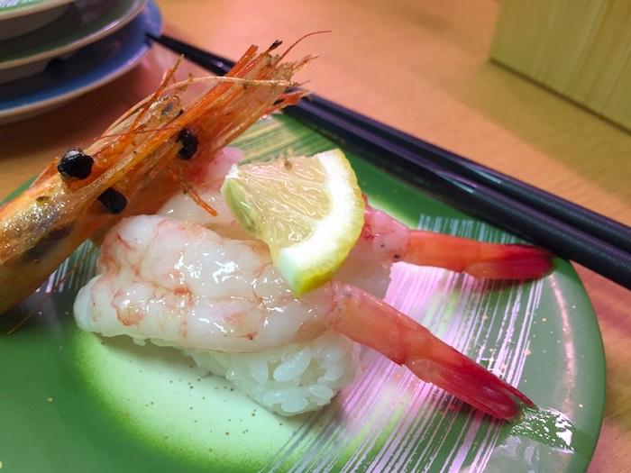 石垣島の回転寿司「鮨人」の海老