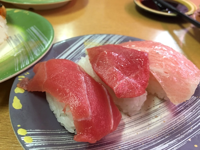 石垣島の回転寿司「鮨人」のマグロ
