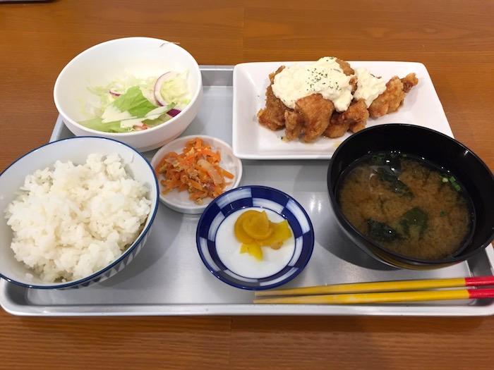 石垣島空港ゆうなのチキン南蛮定食