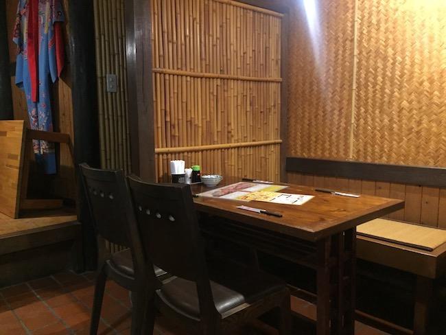 琉球ドラゴンのテーブル席
