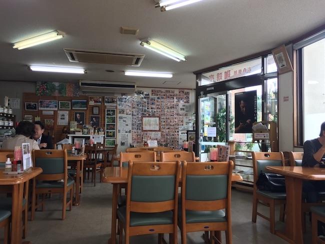 珈琲亭(丸俊商会)の店内