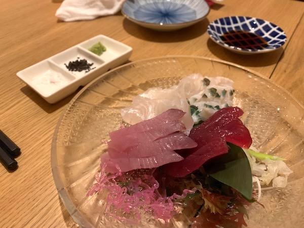 石垣島の居酒屋「酒晴」の刺身盛り