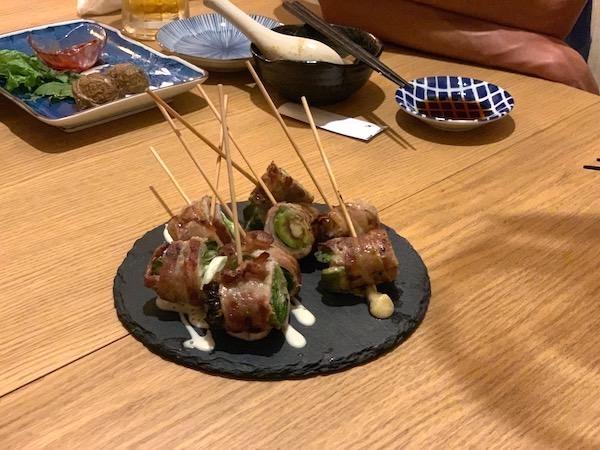 石垣島の居酒屋「酒晴」の豚バラ巻き