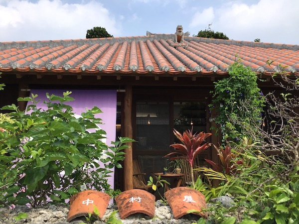 石垣島で静かなランチ。カレーの「中村屋」へ行ってみよう!