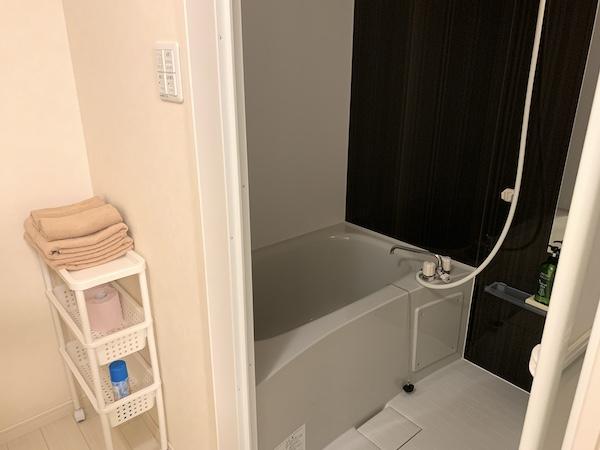 沖縄県宜野湾のホテル「レインボーテラス」の浴室