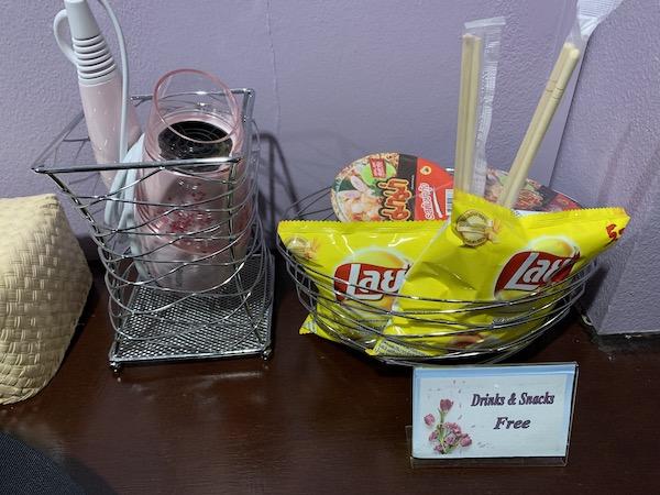バンコクのホテル「ライラック・リラックス・レジデンス(lilac Relux residence)」の無料お菓子です。
