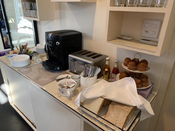 バンコクのホテル「ライラック・リラックス・レジデンス(lilac Relux residence)」の朝食です。